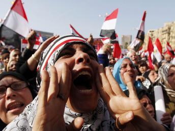 2012-01-25T142014Z_532258045_GM1E81P1QAL01_RTRMADP_3_EGYPT.JPG